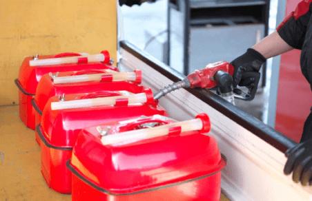 ガソリン、軽油、灯油類の店頭販売(ガソリンスタンド)